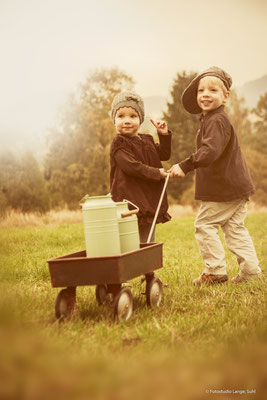 Bollerwagen, Milchkannen, Kinderfotografie, Herbst