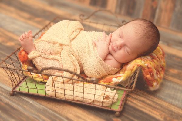 niedliche Babyfotos, Fotograf Thüringen, Suhl, Zella-Mehlis, Newbornfotograf