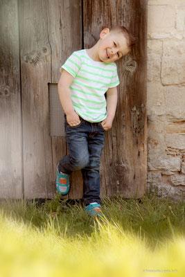 Glücksburg, Cool, Junge, Jeans, locker, Kinderfotografie, Fotografie, Herbst,