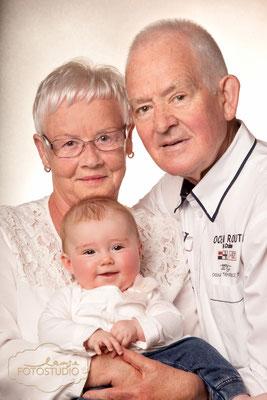 Familienfotos, Babyfoto, Baby, Oma, Opa, Shooting, family, Fotos mit Familie, Familientreffen, Studio, Fotostudio, Lange, Suhl, Thüringen, Bayern