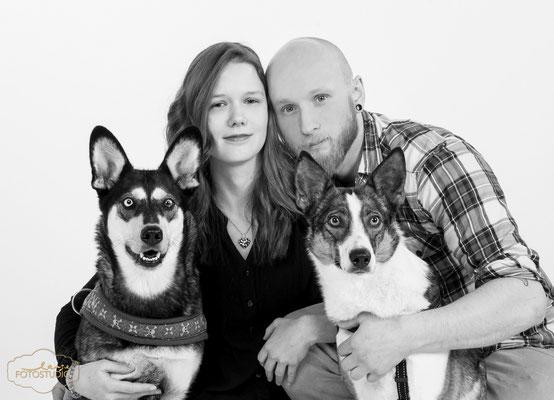 Schöne Familie und 2 schönen Hunden , Tier , Hund , Fothaus Lange , Thüringen Suhl