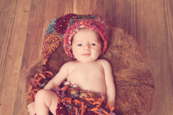 Kleines Baby mit strickmütze , Fotohaus Lange, Kinderfotos, Fotograf, Kinder, Shooting, Studio, Fotostudio, Thüringen, Suhl, Zella-Mehlis