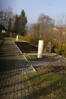 Alter Friedhof, Säule
