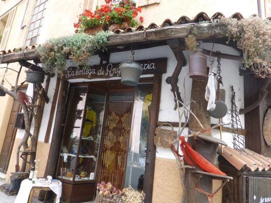 Lokale Spezialitäten wie Pesto und exzellentes Olivenöl
