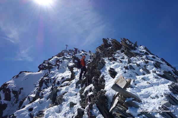 Letzte Meter vor dem Gipfel des Nadelhorns