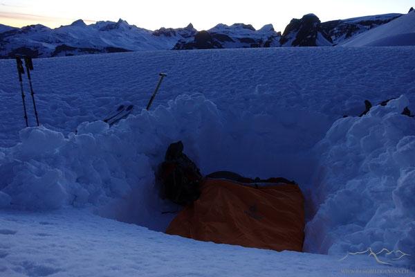 Schlafplatz im Schnee