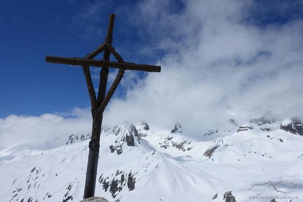Auf dem Schafberg...immer noch viel Schnee im Gebiet..