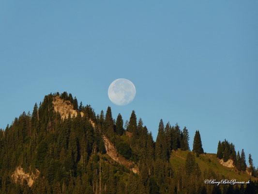Auch der Mond ist noch da...