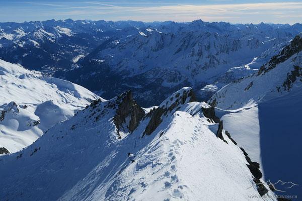 Sicht vom Gipfelgrat