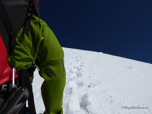 Im Aufstieg über die Eisnase - bester Trittschnee