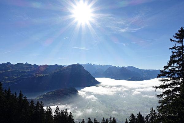 Langsam lichtet sich der Nebel über dem Talkessel