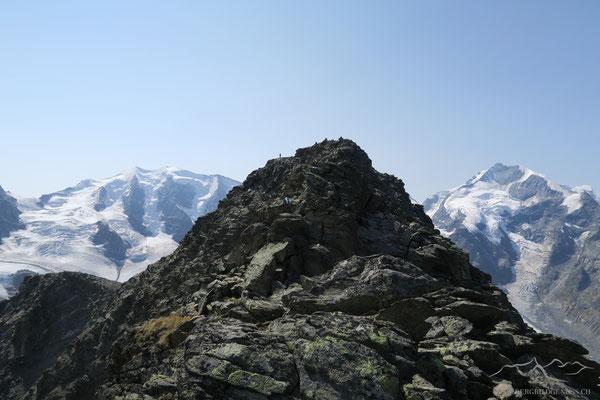 Munt Pers gesäumt von Palü und Bernina