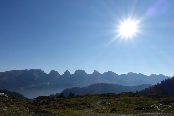 Wir geniessen Sonne und Aussicht...