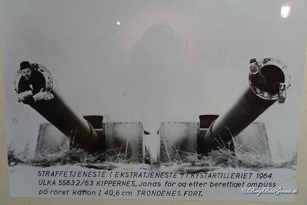 Die Kanone ist schon gross, aber ob die heutige Standardfigur noch reinpassen würde?