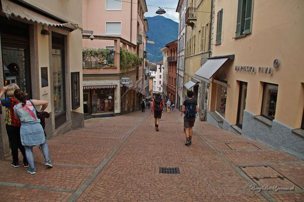 In den malerischen Gassen von Lugano..