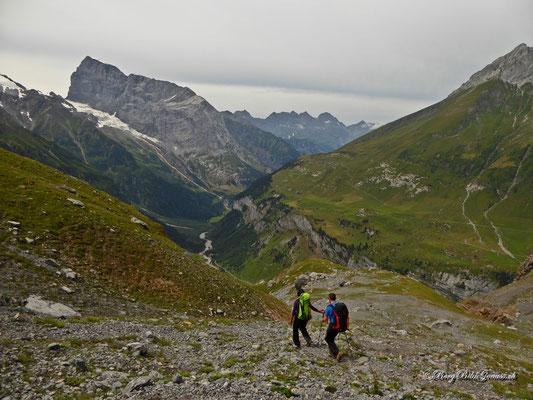 Geröllhaldenwandern oberhalb der Spannorthütte