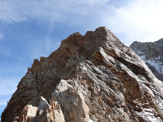 Der rote Turm - wunderbarer Kletterfels, wenn nur der ganze Grat so wäre..