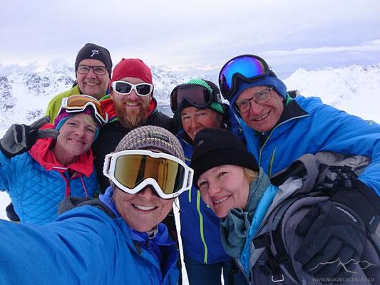 Erstes Gipfelselfie auf den Lofoten!