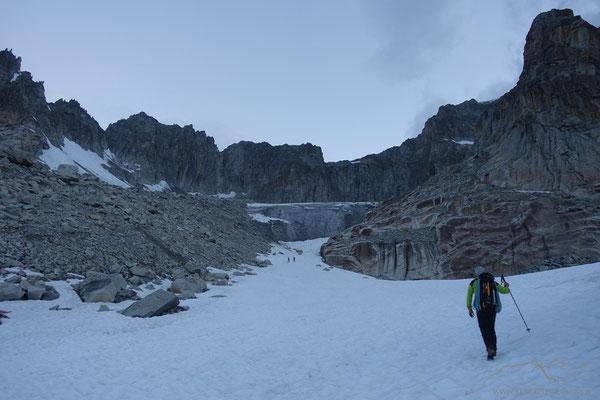Bald ist der Gletscher erreicht