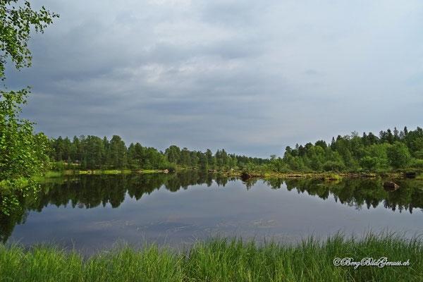 ...wunderschön in die Landschaft eingebettet...
