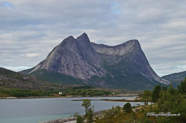 In der Region um den Tysfjord - imposante Berggestalten