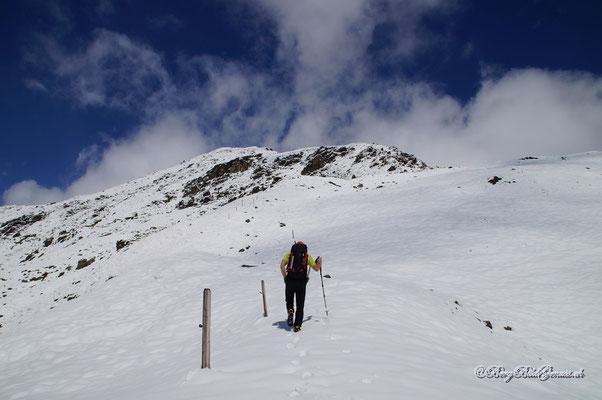 Etwas oberhalb von P. 2537 auf dem Südostgrat des Piz Cotschen
