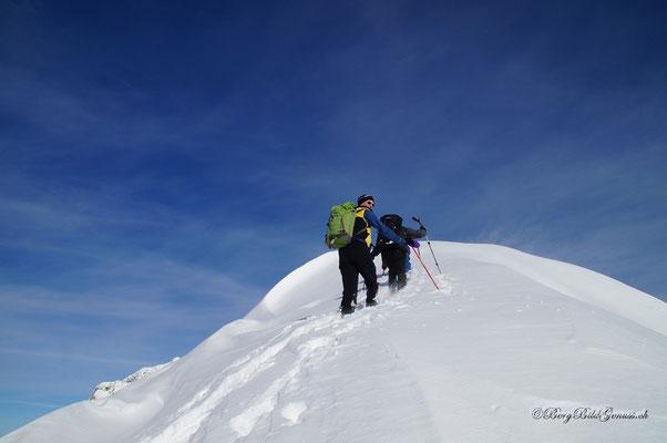 Bald am Gipfel - Dank an alle beteiligten Spurer!
