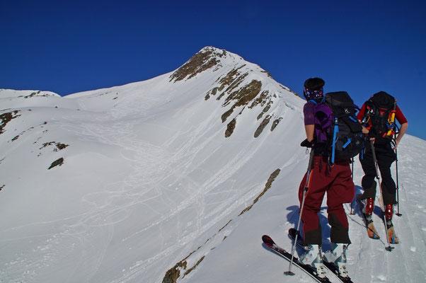 Am Übergang bei ca. 2530m. Heute war es weiter unten günstiger, um in die Südostflanke zu queren.