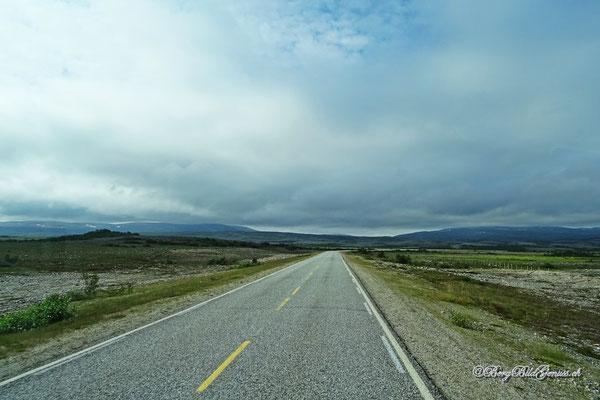 Unterwegs übers Ifjordfjell