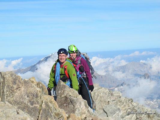 Auf den letzten Metern zum Gipfel... (Bild von Paul Gnos)