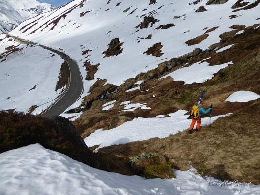 Tja das kommt jetzt halt auch wieder dazu...Skier in der Gegend rumtragen...
