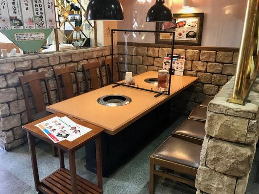 テーブル特注間仕切りパネル(鉄骨+アキレスフラーレ防炎)