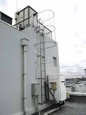 屋上タラップ安全柵(メッキ仕上げ)