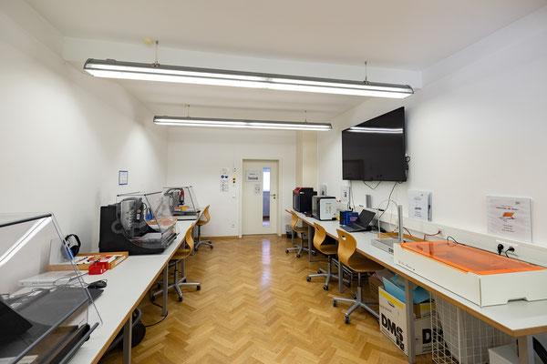 Gebäude und Räume des SAF Kirchheim - Fachraum für CNC FRäsen, 3D Drucker und Lasercutter