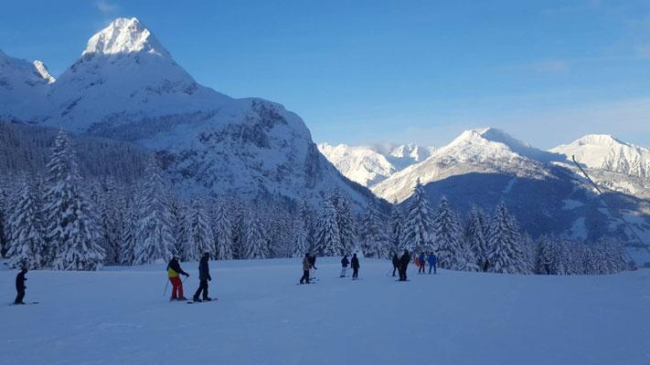 Lehrgänge am SEMINAR FÜR AUSBILDUNG UND FORTBILDUNG DER LEHKRÄFTE KIRCHHEIM: Wintersportlehrgang in Ehrwald - 2