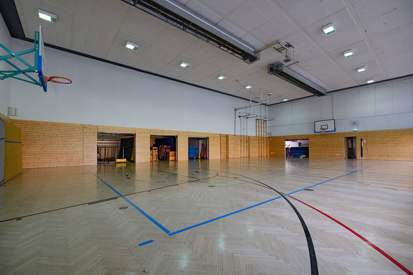 Gebäude und Räume des SAF Kirchheim - Sporthalle innen