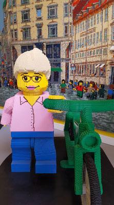 Zeit für einen Bummel durch die Stadt - und einen Besuch des Lego-Shops. Bild: Ulrichs