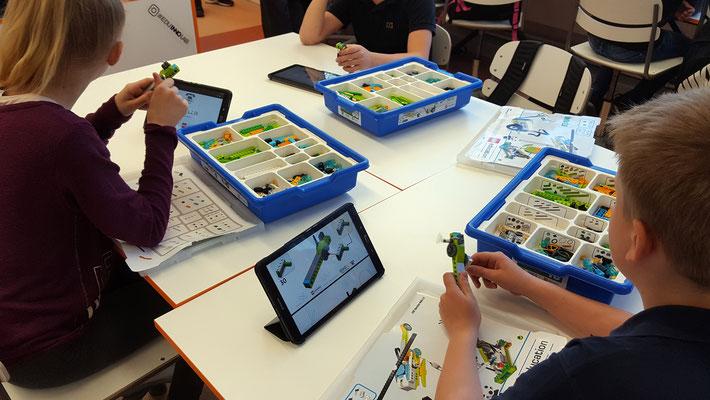Bauen, Programmieren und Lernen ist das Motto der LEGO-Technics-Lerngruppen der 21. Schule. Foto: Ulrichs