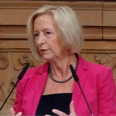 """Bundesbildungsministerin Johanna Wanka forderte die Hochschulen auf, weitere Projektanträge im Rahmen der Qualitätsoffensive """"Lehrerbildung"""" zu stellen. Foto: Ulrichs"""