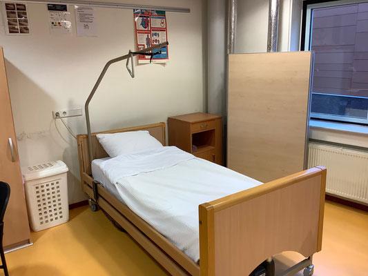 Schülerinnen und Schüler können sich in der Krankenpflege erproben. Foto Ulrichs