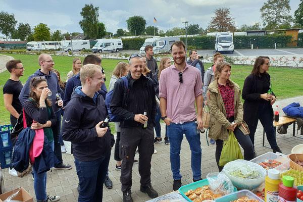 Beim Sommerfest gab es Gelegenheit für Gespräche - in ausgelassener Atmosphäre. Foto: Ulrichs