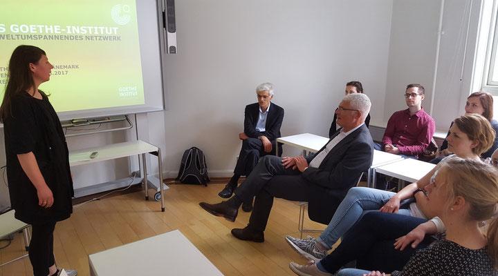 """""""Kultur und Sprache"""" war das Thema bei dem Besuch des Goethe-Instituts. Bild: Ulrichs"""