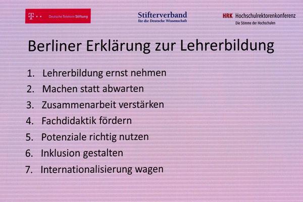 Mit einem Sieben-Punkte-Programm zur Lehrerbildung wurde die Tagung in Berlin beendet. Foto: Ulrichs