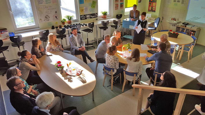 Lernen in wohnlicher Atmosphäre ist in diesem Klassenraum am Deutschen Gymnasium Kadriorg möglich - ob digital oder ganz traditionell. Foto: Ulrichs