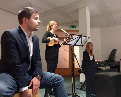 Musikalisch begleitet wurde die Veranstaltung unter anderem von Mitgliedern des Fachseminars Musik. Foto: Ulrichs