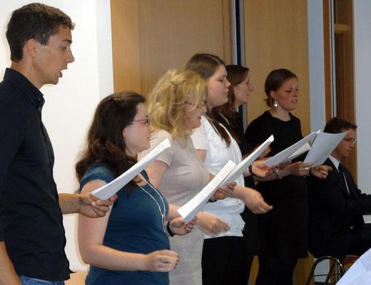 Für die musikalische Begleitung sorgte das Fachseminar Musik um Fachleiter Heinz kleine Schlarmann. Foto: Ulrichs