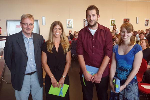 Für herausragende Leistungen ausgezeichnet wurden Carolin Klapper (von rechts), Benedikt Liebsch und Jennifer Krause. Foto: Ulrichs