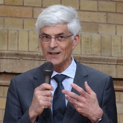 Professor Dr. Johann Sjuts, Leiter des Studienseminars Leer, betonte den Stellenwert einer hervorragenden fachlichen Ausbildung von Lehrkräften. Foto: Ulrichs