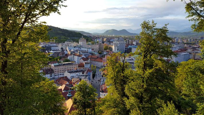 Blick von der Burg auf die Stadt Lubljana. Foto: Ulrichs