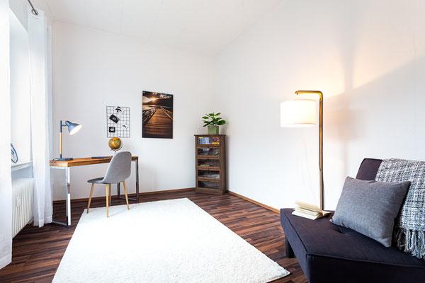 Home Staging Johannsen Elena Kiel Wohnungen Schleswig-Holstein Fotos Bilder Vorher Nachher Leere Immobilie Arbeitszimmer